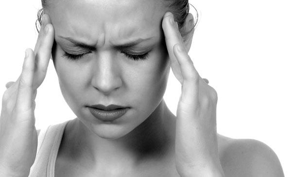 Ημικρανία: Δεν θεραπεύεται με αλόγιστη χρήση αναλγητικών, φιλικές συμβουλές και ξεμάτιασμα